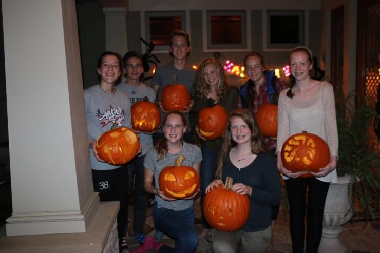 4_pumpkin-carving