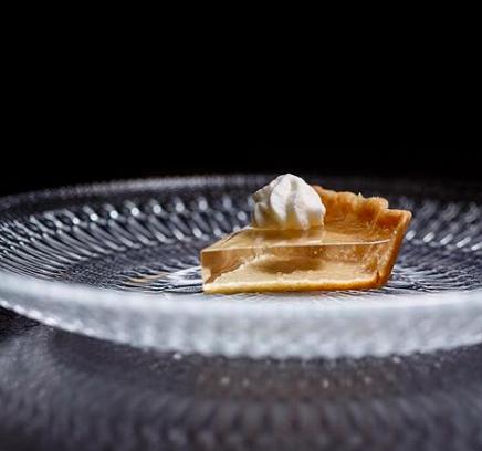 mini pumpkin pie.png